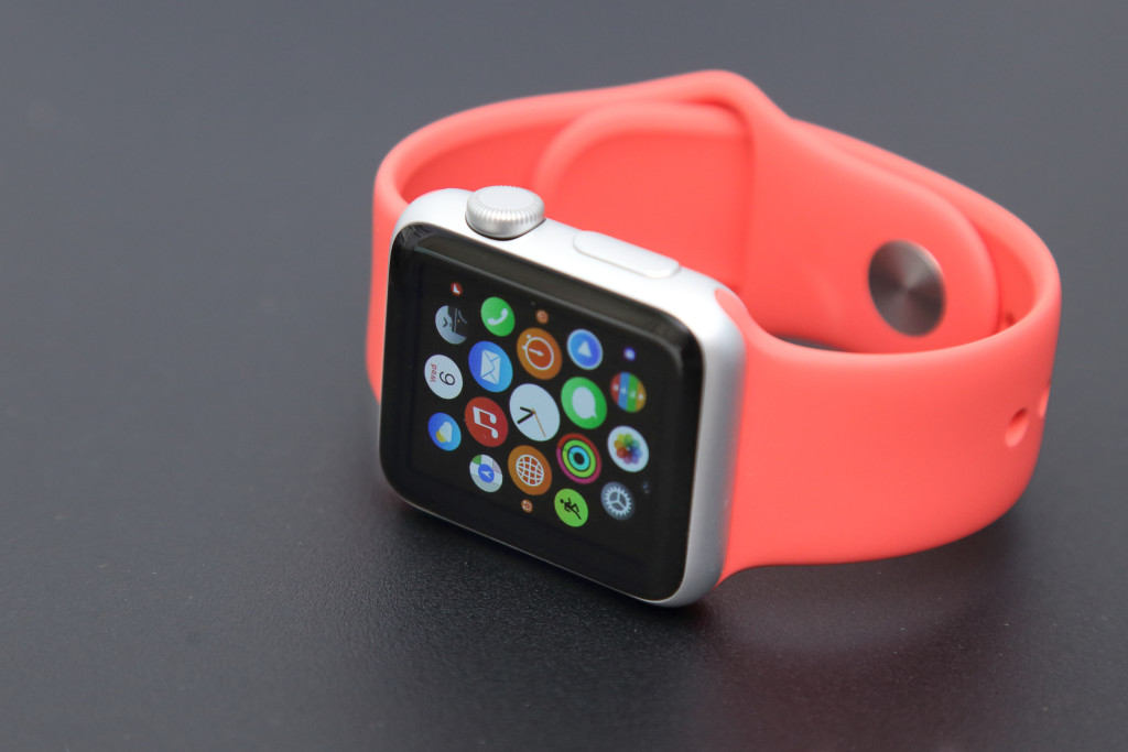 6 Appar Apple Watch bild 3 charnsitr Shutterstock.com